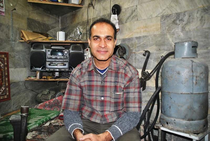 44 artesanos y sus obras en el bazar cercano a la mezquita de Rahim Khan en Isfahan (139)