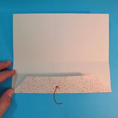 วิธีพับกระดาษเป็นผีเสื้อหางแฉก 009