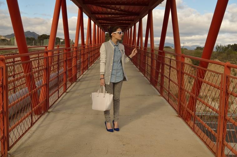 lara-vazquez-madlula-blog-white-details-blue-salons