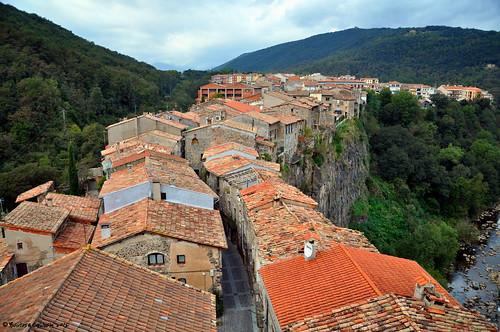 mountain rock spain village catalonia roofs d90 nikon90 flickrawardgallery