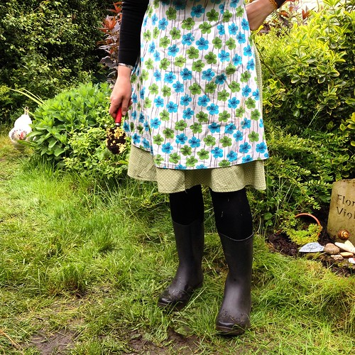 Me Made May '14 Day 25 Skirt and Apron