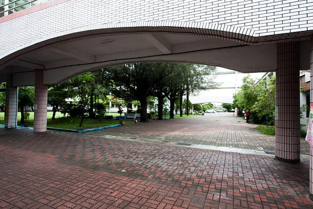 20130519 梅雨季節建興國小還是可以散散步-(10-07)-2.jpg