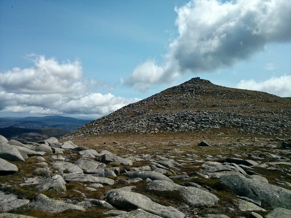 North of Lochnagar's summit