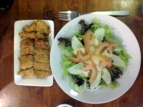 Rosemary garden salad with fish fillet