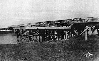 Charron: le pont du Brault