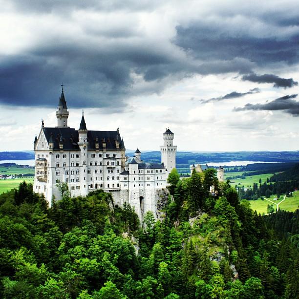 #Neuschwanstein #Bayern #Bavaria #Deutschland #Germany #travel #instapic #insan #people #adventure #macera #castle #nature #doğa #yeşil #green #colorfull #clouds #photoofday #beauty #güzellik