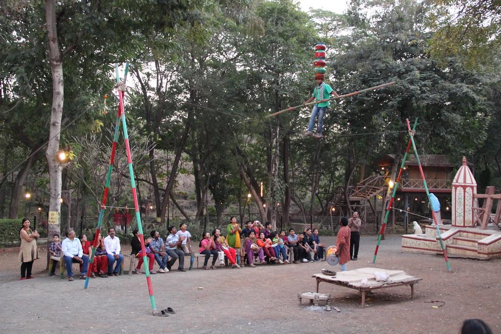 Dombari - walking on rope