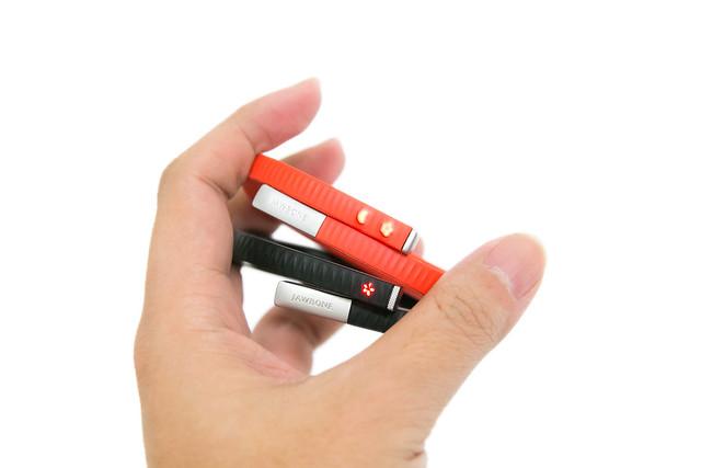Jawbone 新款 UP24 健康手環簡單開箱 & 新舊款比較 @3C 達人廖阿輝