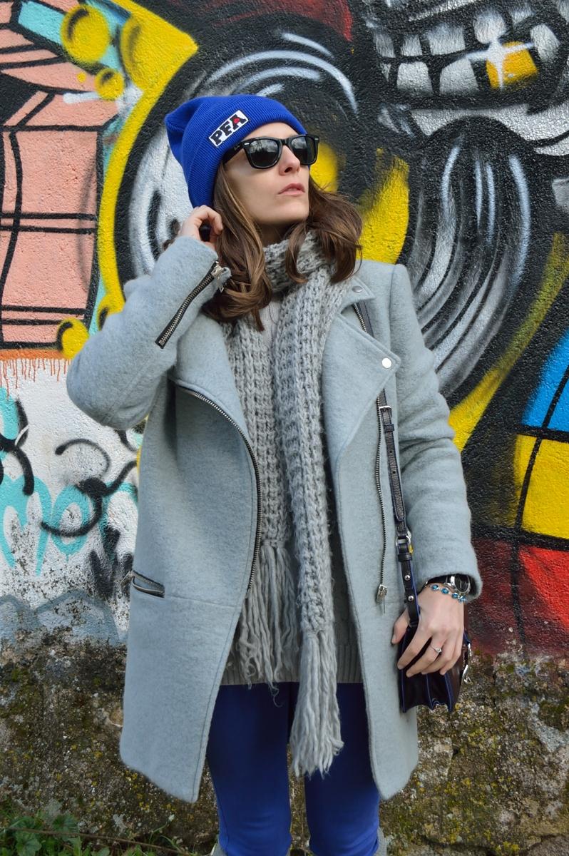 lara-vazquez-madlula-blog-style-fashion-cobalt-blue-grey-coat