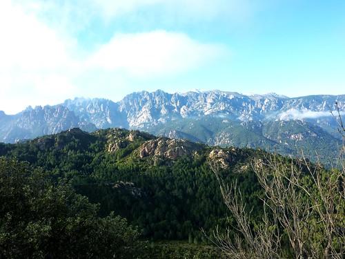 La vue vers Bavella depuis le sommet de Punta di u Castellacciu