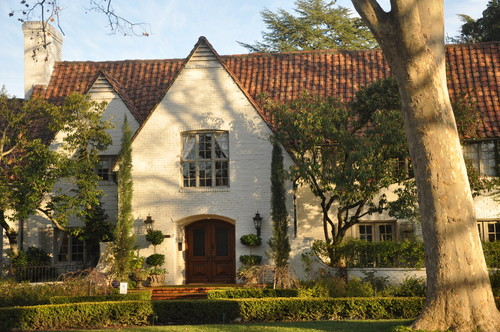 This Historic House Was The Residence Of Ronald Reagan When He Was Governor  Of California. The Exterior Is Showcased On Houzz, And The Paint Colors Are  ...