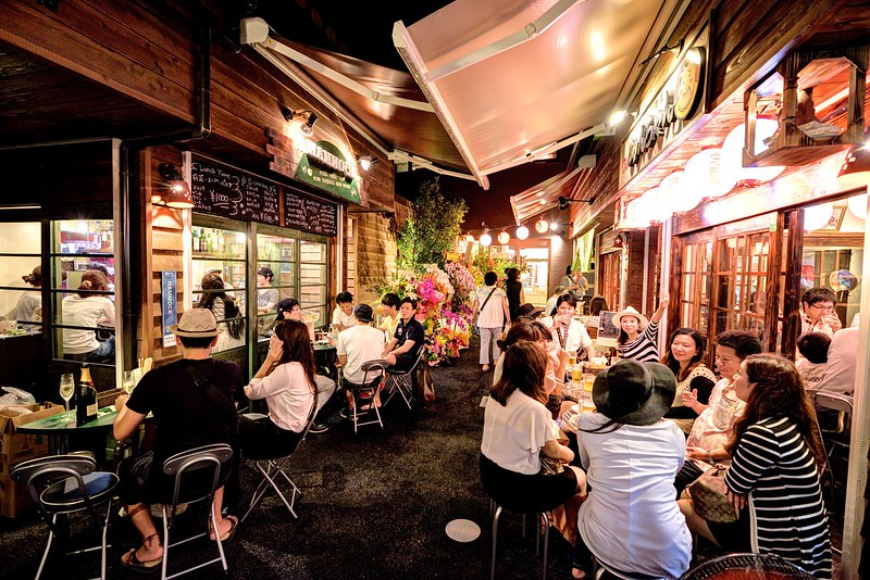 冲绳国际通屋台村,新开幕热闹居酒屋 干杯!