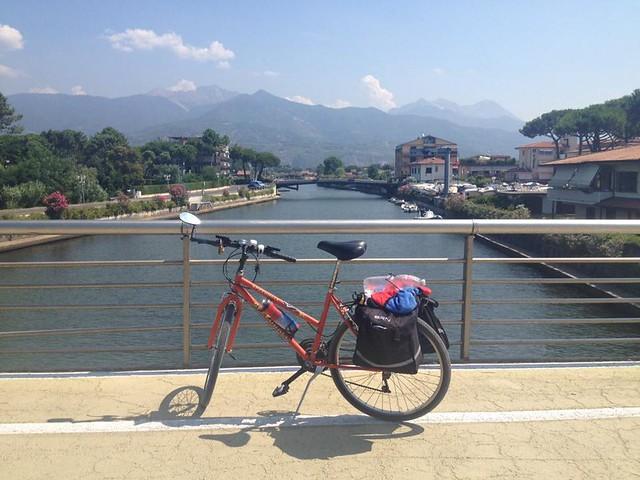 Rutigliano In bici sulla via dei pellegrini l'avventura di Giuseppe Dell'Aere