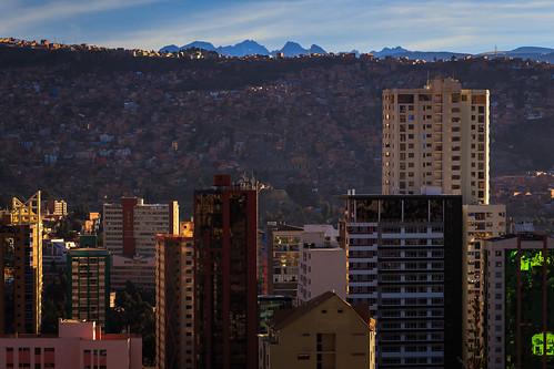 bolivia illimani cityscape sopocachi elmontículo sunrise lapaz nuestraseñoradelapaz lapazdepartment bo canon5dsr town canon city colors capital mountain