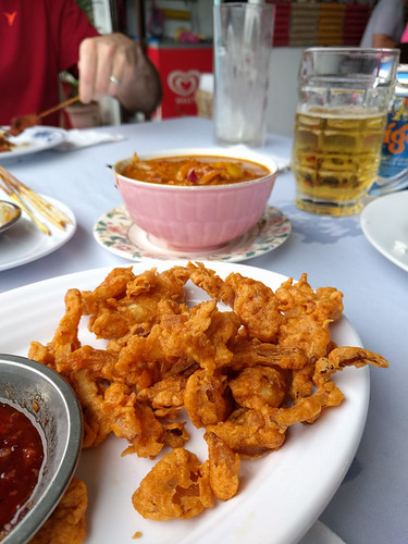 crispy squid, curry and a cold beer @ Andrew's Kampung