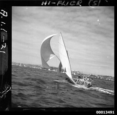 18-footer HY-FLYER on Sydney Harbour