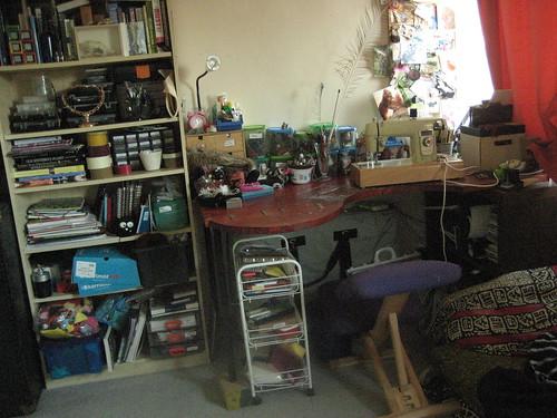 My freshly tidied crafting corner :)