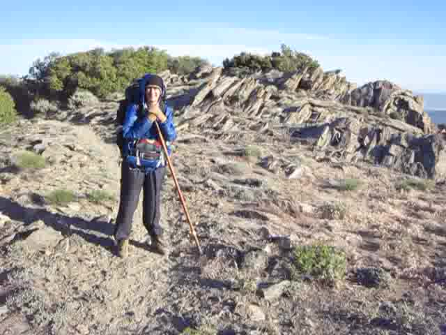 0270 Video of a windy ridgeline near peak 6868 (Little Desert) on the PCT