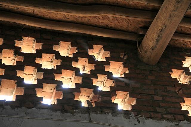 Small windows made of brick, Shanshan (Piqan) County ルクチュン、レンガ造りの小窓