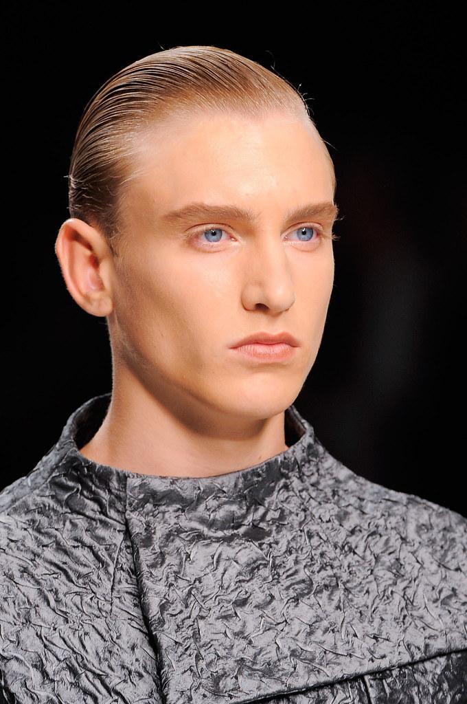 Jeroen Smits3031_SS14 Milan Ji Wenbo(fashionising.com)