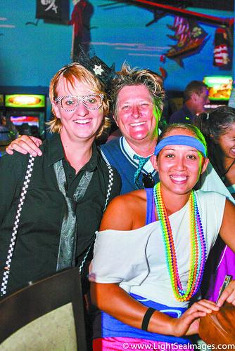 17.16_lede_maui-pride_20121005_Maui_Pride_80sParty-042