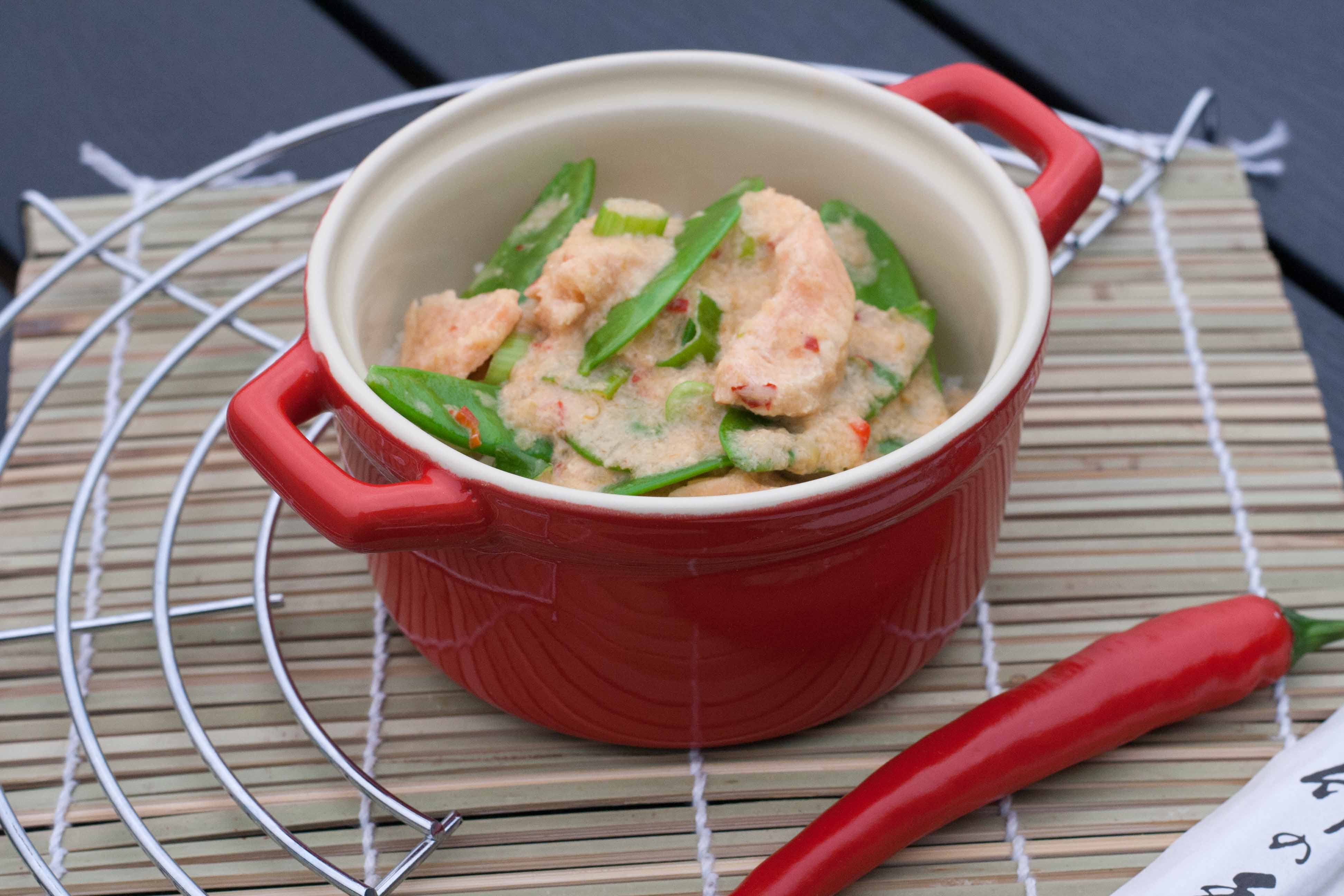 Recipe on homemade Salmon in Creamy Red Curry Sauce 2