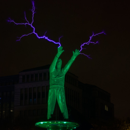 Mr 100.000 volts