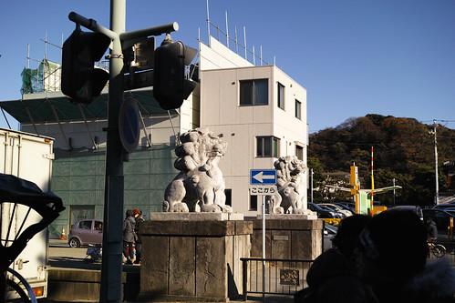 第2鳥居の狛犬たち by leicadaisuki