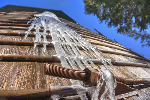 ice frozen raw fav50 nevada skiresort bolt rost watertank icicles hdr mtrose 3xp steelrods photomatix nex6 selp1650
