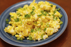 sweet corn(0.0), breakfast(0.0), fried rice(0.0), scrambled eggs(0.0), meal(1.0), salad(1.0), vegetable(1.0), vegetarian food(1.0), produce(1.0), food(1.0), dish(1.0), cuisine(1.0),