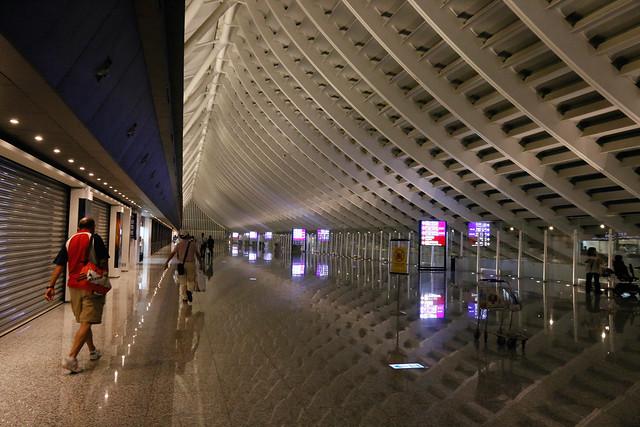 午夜沒有人的桃園機場第一航廈入境