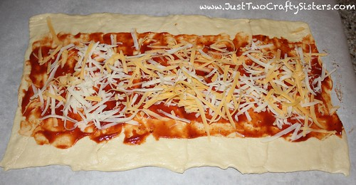 pizza crescent roll appetizer recipe