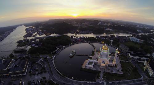 sunset mosque hero brunei f4 bandarseribegawan gimbal phantom2 dji gopro aerialphotgraphy hero3 blackedition soasmosque kgayer zenmuseh32dgimbal fantistic4 landmarkbandarseribegawanbruneimuarabrunei