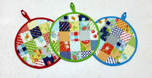 Potholders for Mothers Day Mar14
