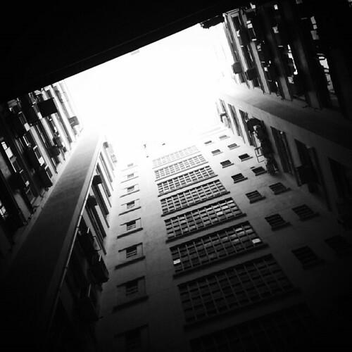 Arquiteturas paulistanas. #urbanidadesmoveis #saopaulocity #saopaulo #centrodesaopaulo #pb #bw