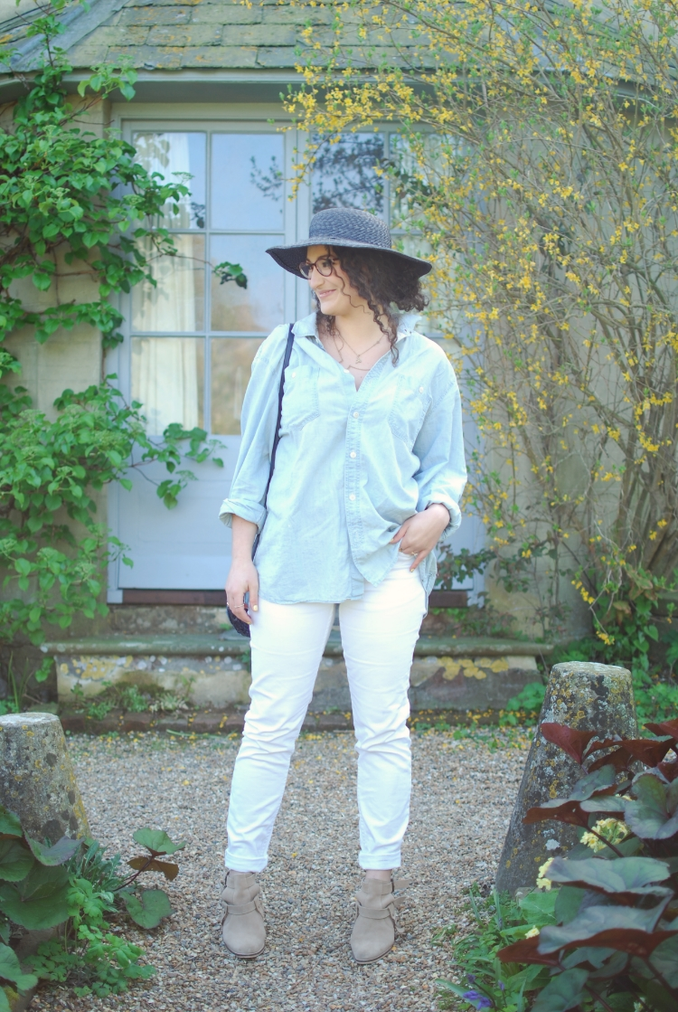 chambray and curls spring outfit white jeans
