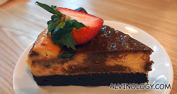 Chewy Brownie Cheesecake  - a dual-layered confection with creamy cheesecake on top and a rich & chewy chocolate brownie base (S$7.20)