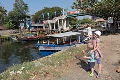 Nasza mała zadaszona łódź
