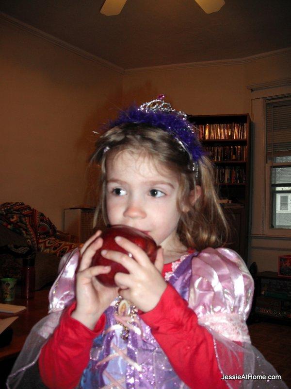 Rapunzel-or-Snow-White