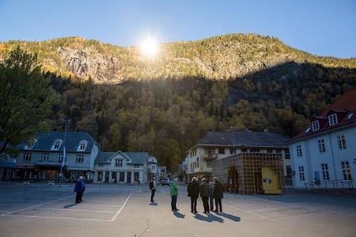Норвежцы забудут про полярную ночь благодаря гигантским зеркалам