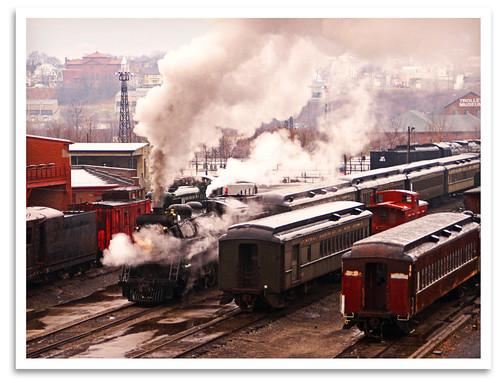 blackandwhite bw train mono pa mikado locomotive scranton steamengine 1917 canadiannational 282 steamtownnationalhistoricsite s1b canadianlocomotivecompany cnr3254