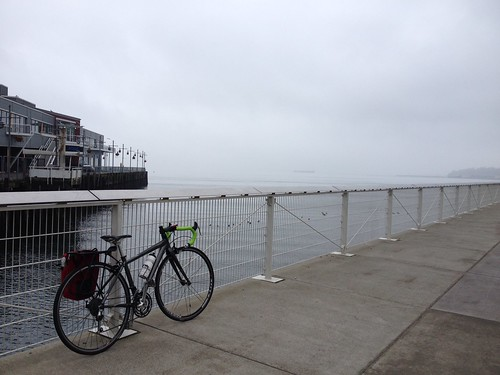 seattle-waterfront-cycling-140119-04