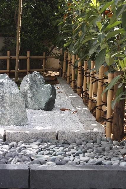 Cloture basse jardin sec flickr photo sharing for Jardin sec