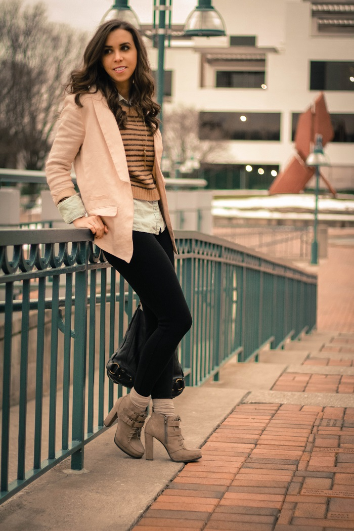 va darling. dc blogger. virginia personal style blogger. casual outfit. linen blush blazer. black pants. heeled booties. cropped striped sweater layered over chambray. 1