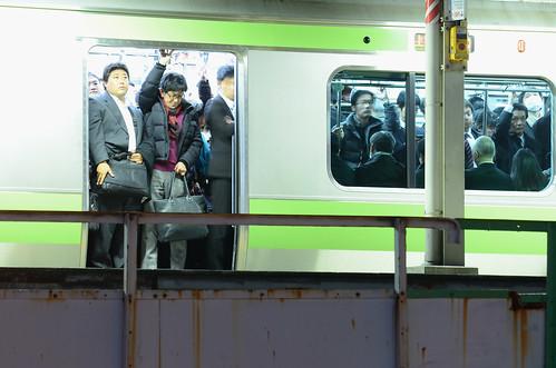 満員電車 | Crowded Train