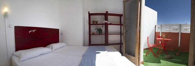 """Private Room """"Montaña Roja"""". Casa Grande Surf Hostel. El Médano. Tenerife."""
