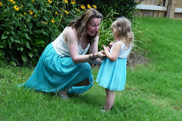 mommy + me blue dresses | on trend tuesdays linkup