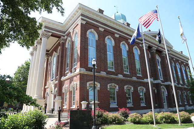 Bowling Green Kentucky County Courthouse Warren County Ky Flickr Photo Sharing