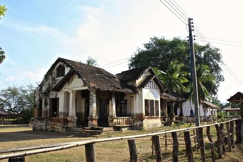rundown schoolhouse on Don Khon