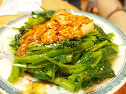 豆乳炒通菜,這是香港普遍的做法